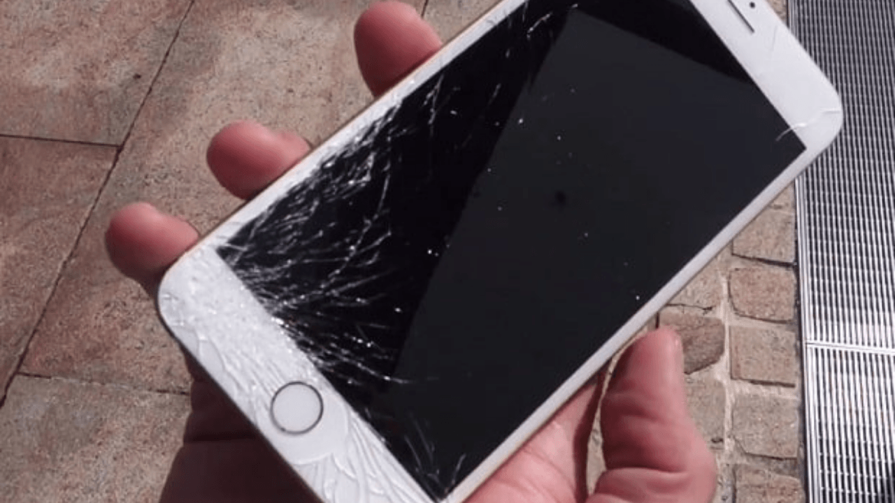 How much cost to repair Apple iPhone 6s broken display screen in India