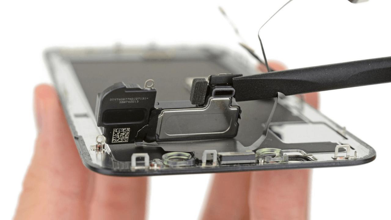 iphone screen replacement in Meerut