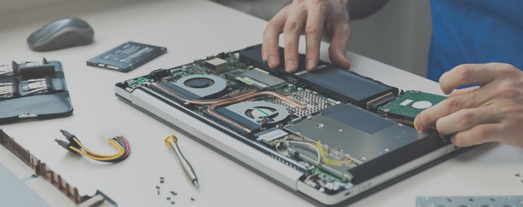 laptop service image